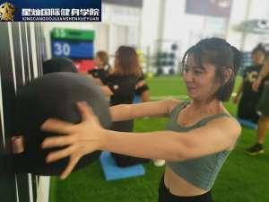 健身房有哪些适合女生的器械训练