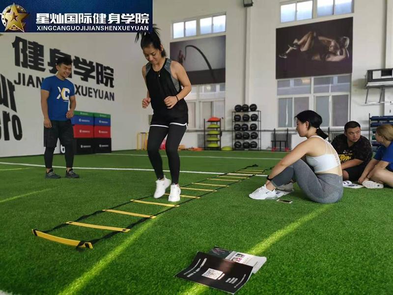 健身房适合新手的健身方法