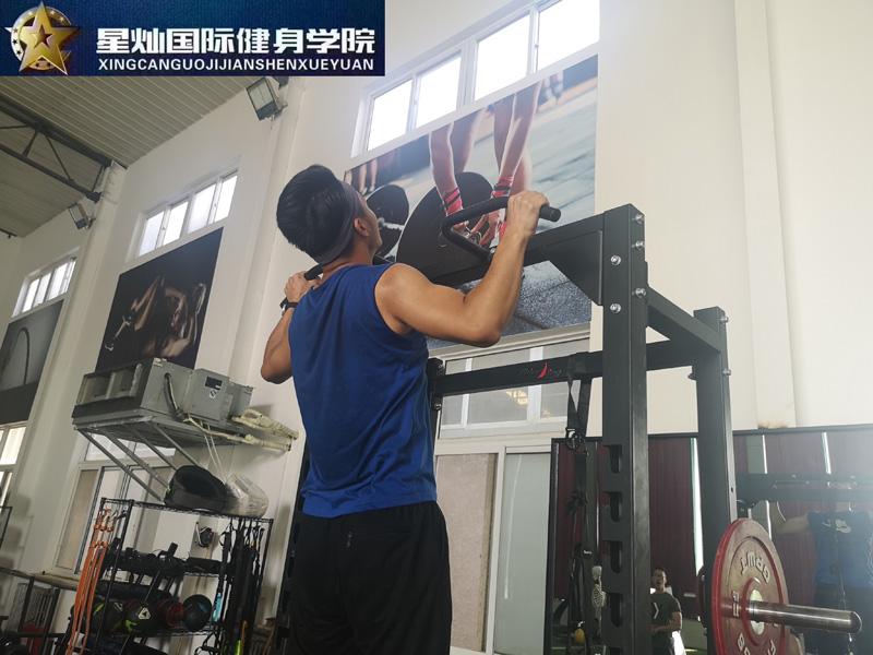 北京专业健身教练培训学校?